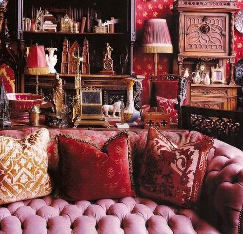10 Stunning Velvet Upholstered Chesterfield Sofas