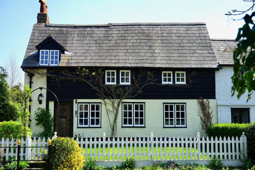 First Impressions: 4 Ways To Give Your Home Exterior A Vintage Make-Over
