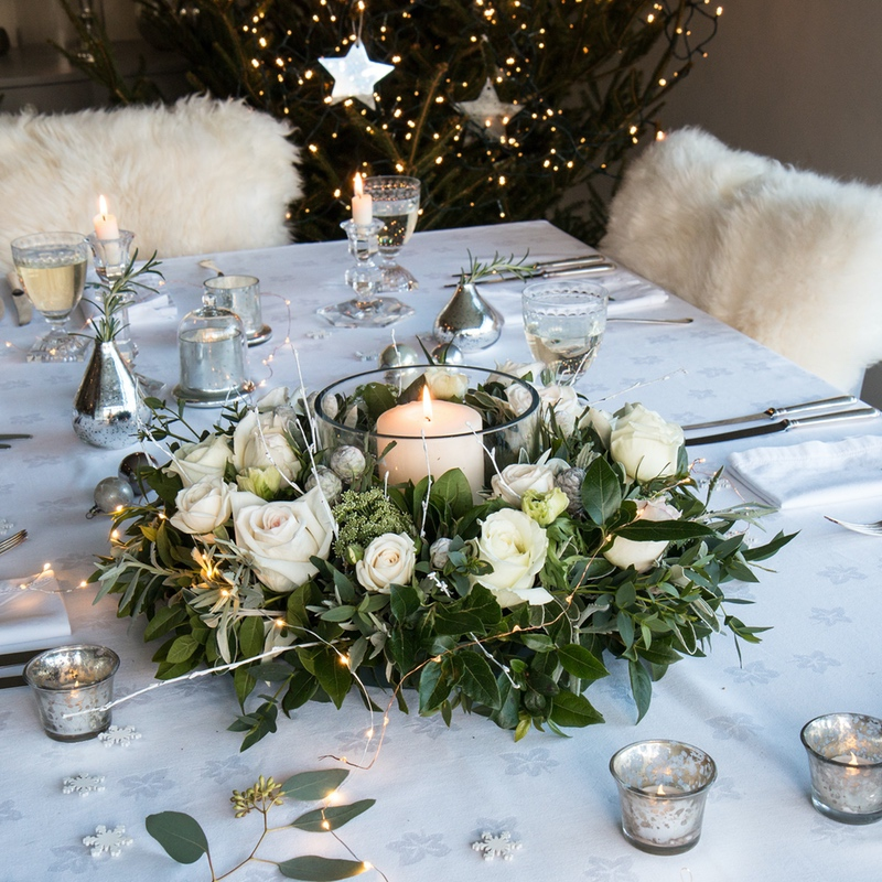 white-on-white christmas table theme