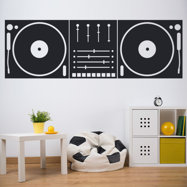 Tips For Decorating Your Teenager's Bedroom - Image Via iconwallstickers.co.uk