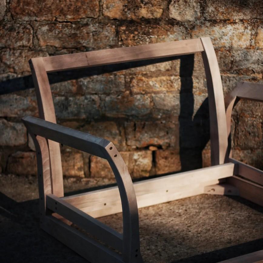 Chaise Longue Wooden Fram - Image Via MakerAndSon.com
