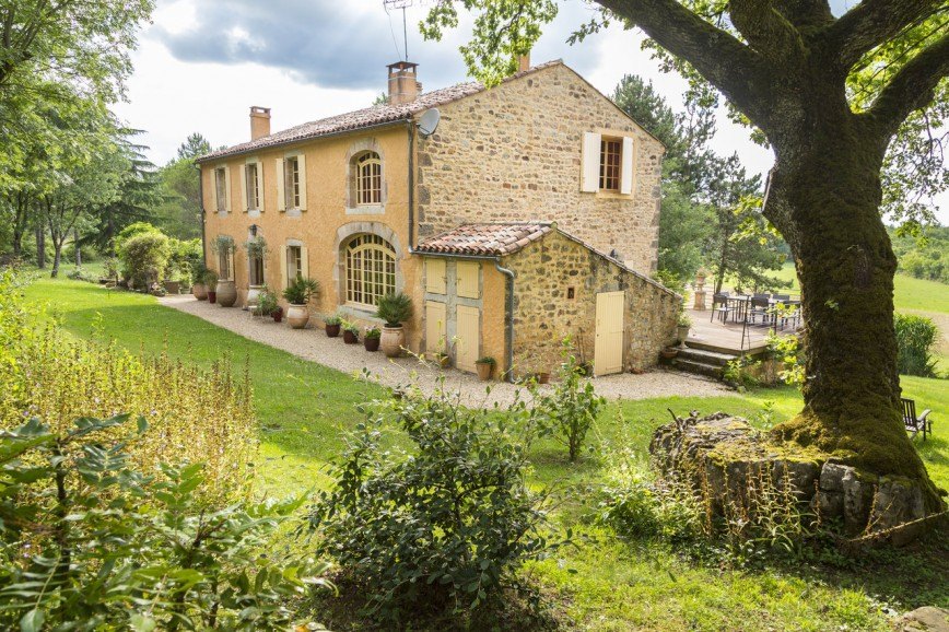 Why Are French Provincial Homes Worth Considering When Renovating Your House