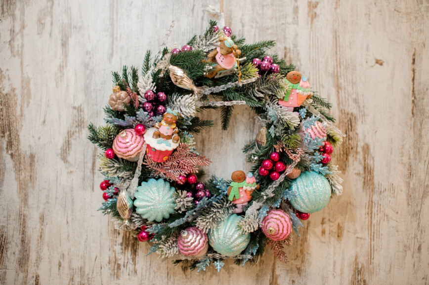 10 Colourful Christmas Wreaths